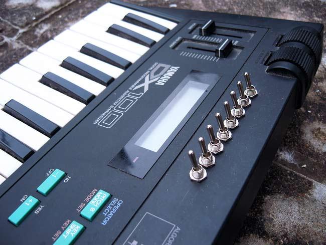Circuitbenders - Circuit Bent Yamaha DX100