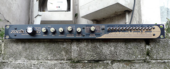 Modified Zoom 1201 effects unit
